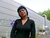 Visita di routine nello scantinato per giovane moretta con gli occhiali video sesso