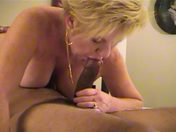 Une vieille grosse nympho baise un Black! x video