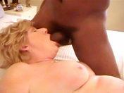 Joven negro pervertido busca COÑO viejo  sexo video