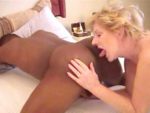 Jeune black pervers cherche vieille CHATTE! video sexe
