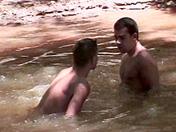 2 gays et un aborigène baisent dans un lac video x gay