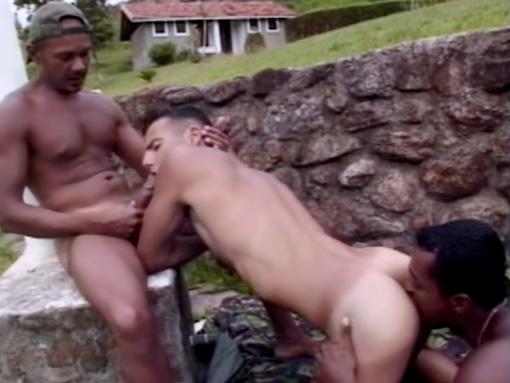 Sexe entre métis latino gay sexy !