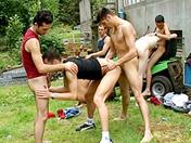 Partouze sur la pelouse video x gay