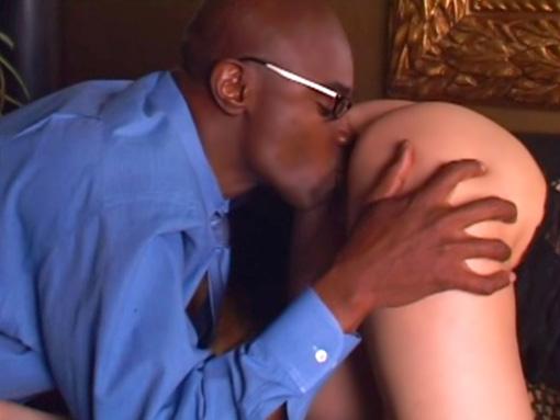 Défonce interraciale dans un hôtel de luxe video sexe