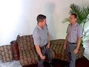 video Femmes en uniforme
