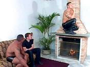 Jeune minet enculé devant la cheminée sexe video gay