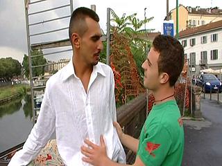 Petite baise entre amis à Milan.  Episode 5
