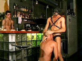 Trio SM au bar du coin