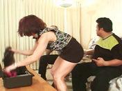 ¡No importa la edad cuando se trata de follar una madurita! videos porno