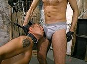 Fétichiste et sado maso pour ce gay en forme video sexe gay