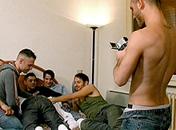 Vidéo amateur gay pour groupe de pervers
