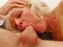 Bite dure pour femme mûre !!! Dave Hardman et Linda John !