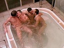 Partouze dans le sauna