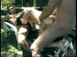 Video porno Randonnée champêtre et trio en furie