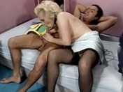 Amateur pissing threesome and nasty sex