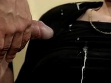 Brunette secrétaire pour patron pervers
