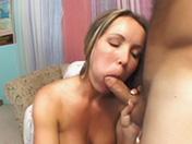 Blonde en lingerie et baise anale hors catégorie