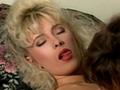 Lesbiennes des années 80 et salopes jusqu'au bout des siens