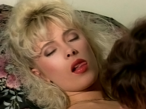 Lesbiennes des années 80 et salopes jusquÂ'au bout des siens