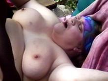 La copine de la diablesse a un gros cul