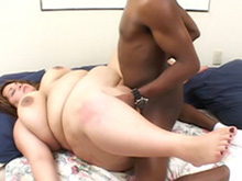 Threesome for a girl with a big and round bum