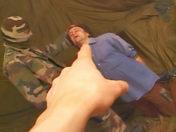 Hétéro gourmand  baisé par un commando!! x video gay