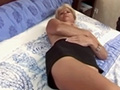 Amatrice blonde à vieille chatte pour grosse turlute