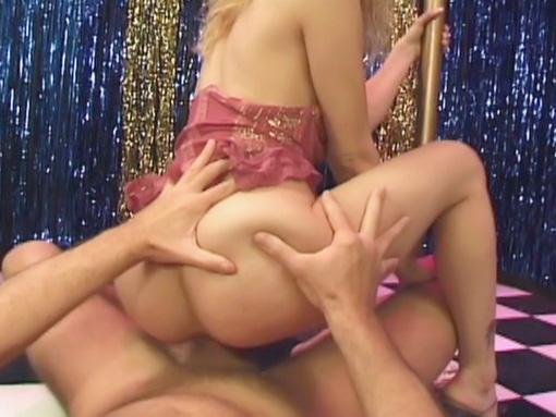 Quand je vais voir un striptease jÂ'aime quand ça se passe comme ça
