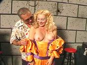 Sesión de tortura en el sótano videos porno