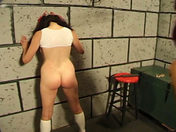 Cindy, la piccola ninfomane punita dalla sua zia !!! video porno