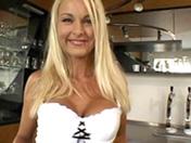 La revanche de la blonde aux gros seins