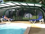 Téléchargement de Vidéo Française: Trois jeunes gays baisent au bord de la piscine