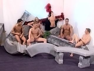 Partouze muscl�e pour gays survolt�s