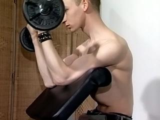 Enculación en la sala de gimnacio