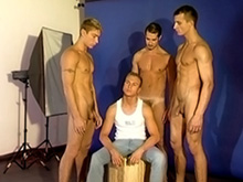 Casting gay pour jeune recrue défoncée
