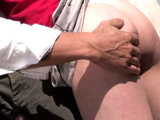 Petite sauterie exhib au salon du sexe !