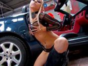 Une pute dans un garage auto ca fait toujours des ravages - HD