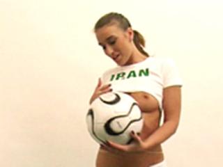 L'Iran propose sa groupie coquine !