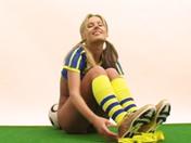 Svedese maliziosa in completo di calcio !