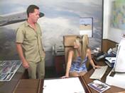Jeune secrétaire enculée par ses patrons