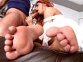 Rouquine branleuse des pieds !