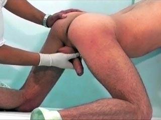 Revision du cul chez le docteur videos gay